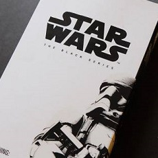 The Force Awakens First Order Stormtrooper – Black Series 6″ – Verpackungsbilder