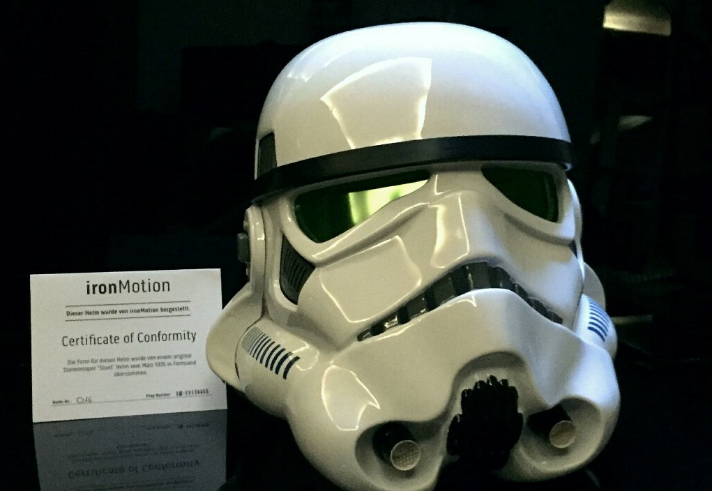 Stormtrooper Helm zur Versteigerung!